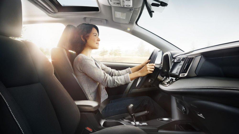 Những lưu ý khi lái xe số tự động bạn nên biết