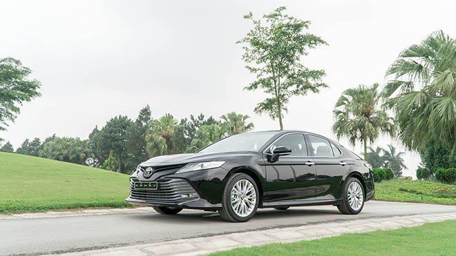 Bảng giá xe camry mới nhất Toyota bất ngờ công bố năm 2019