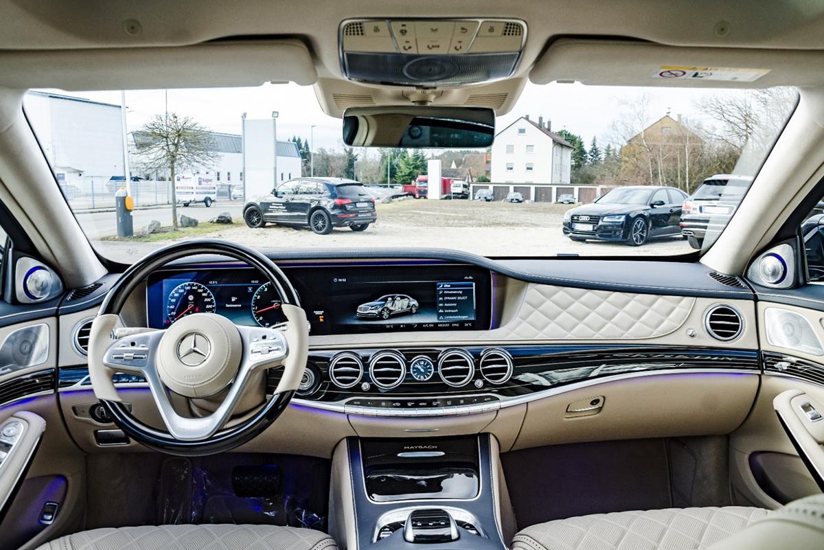 Xe Mercedes-Maybach S560