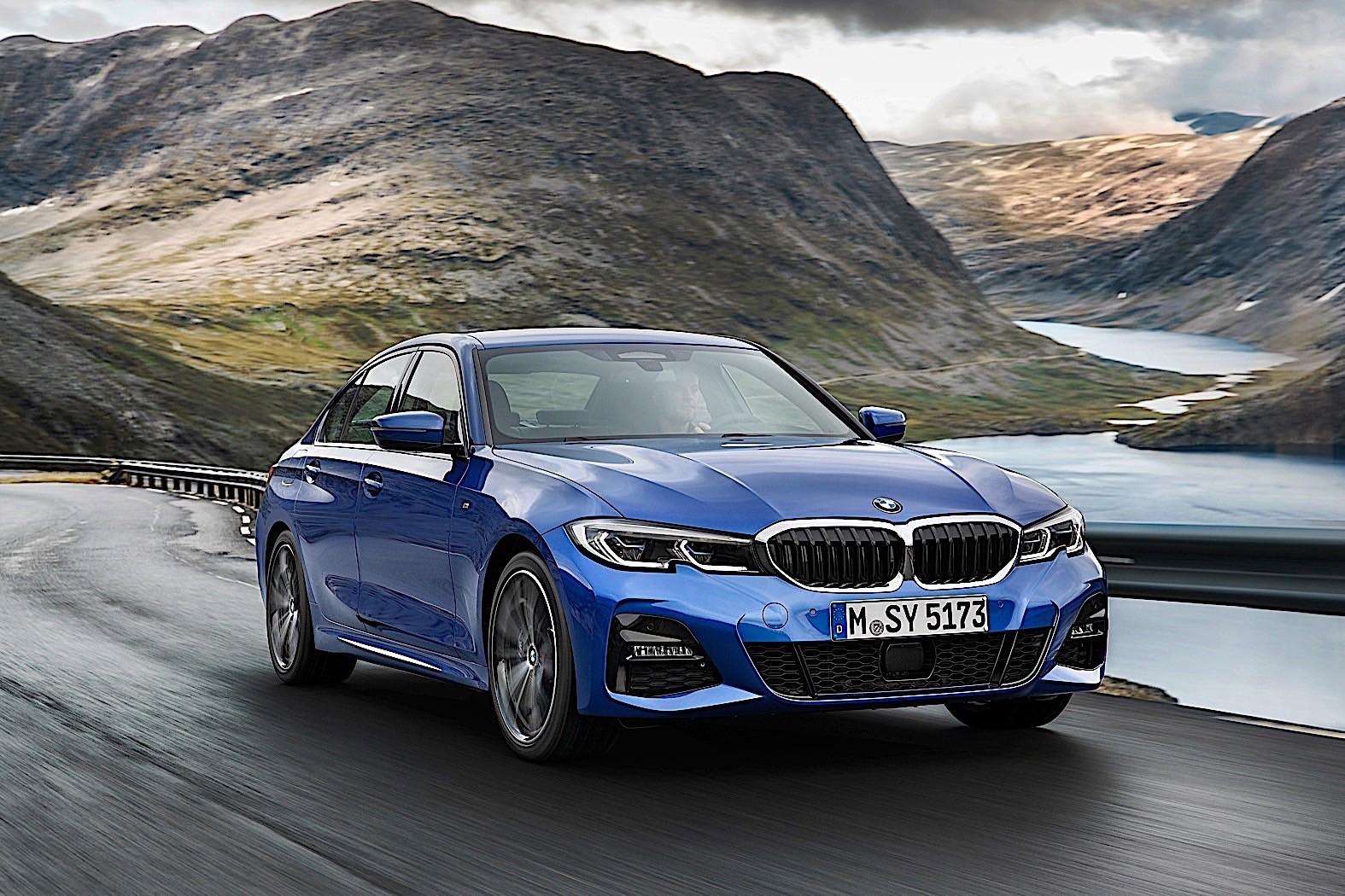 Xe BMW 320i 2020