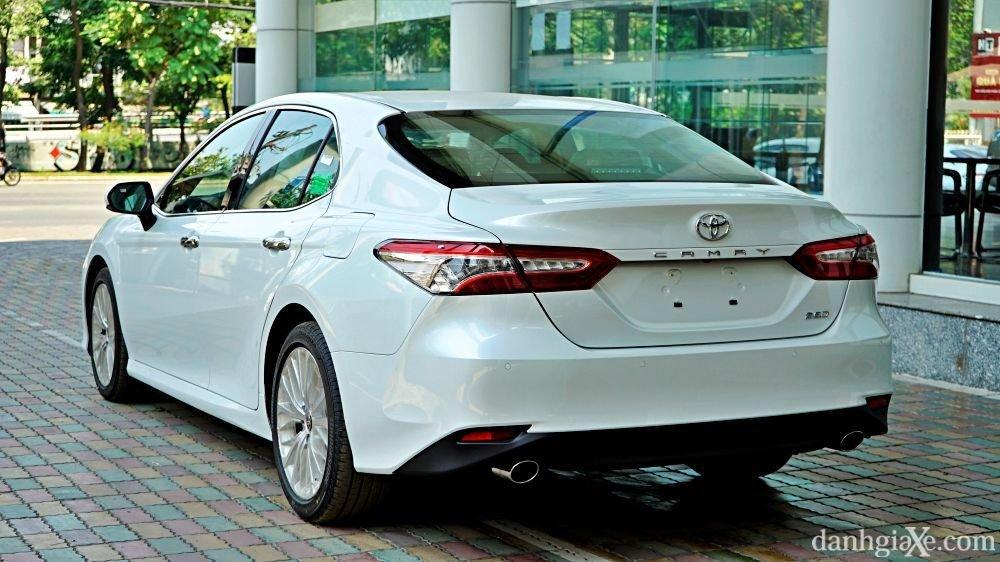 Đánh giá sơ bộ xe Toyota Camry 2021