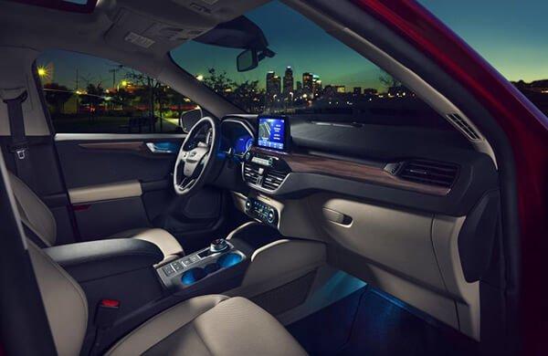 Đánh giá Ford Escape 2021 – Trở lại vào thời điểm này liệu có thích hợp?