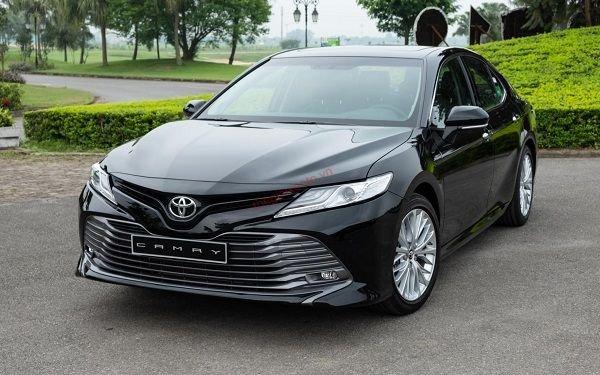 Thông số kỹ thuật Toyota Camry 2021