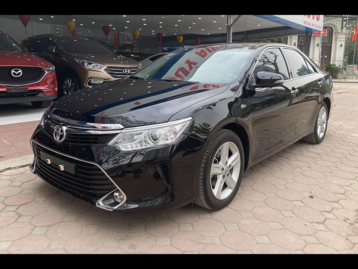 Có nên mua Toyota Camry cũ 2017 giá hơn 900 triệu đồng?