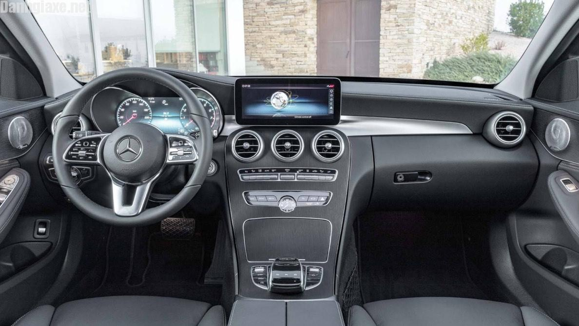 So sánh Mercedes C200 và BMW 320i